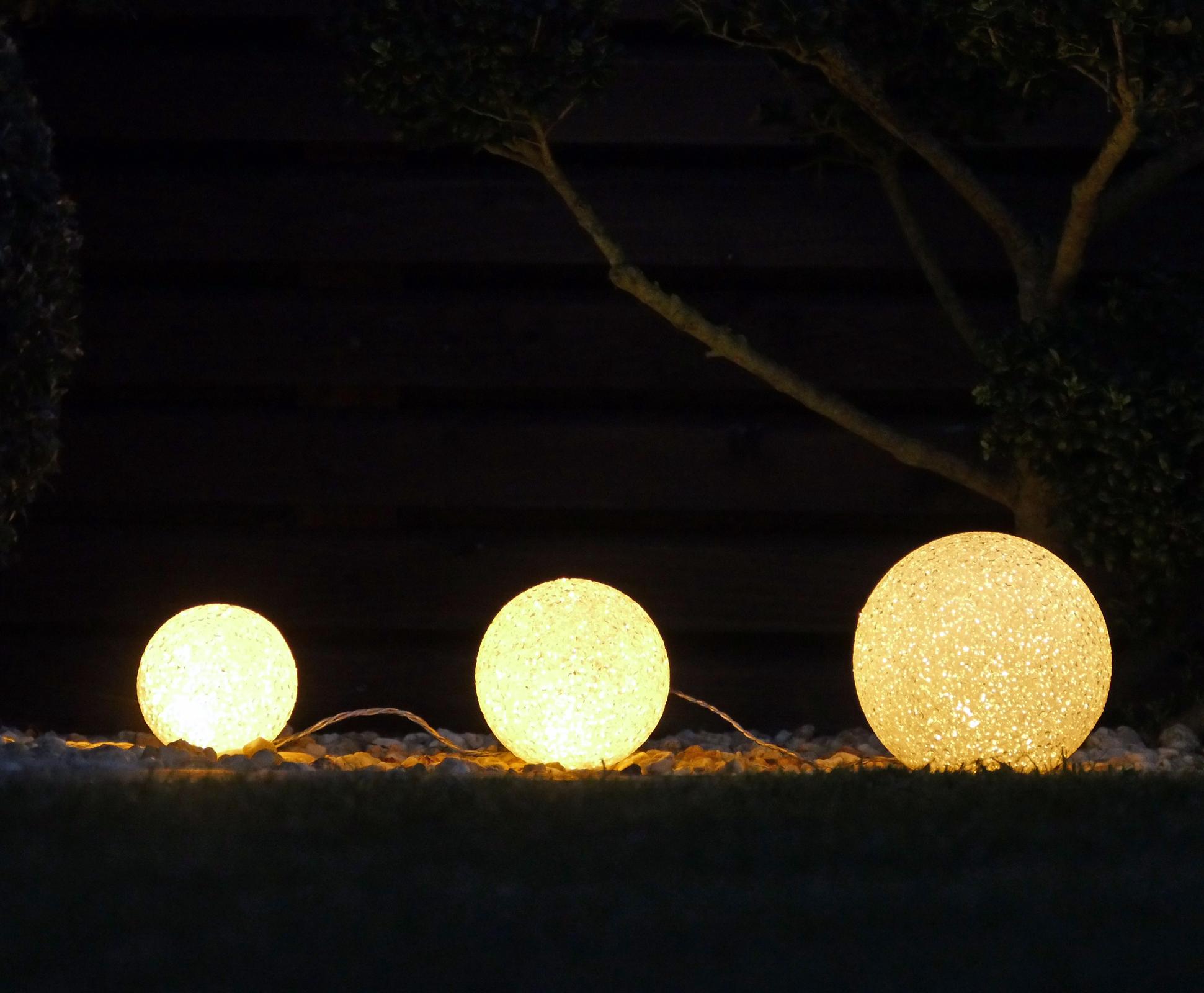 2er Set LED Kugel 8+12cm innen außen warmweiß 6 Stunden Timer